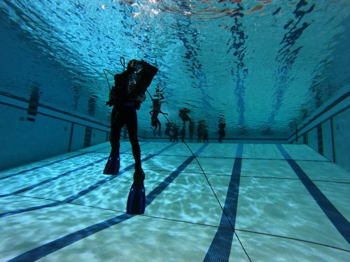 Scuba diving lessons in pool